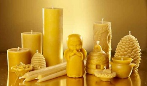 Pure-Beeswax-Candles-Bennetts-Honey-Farm